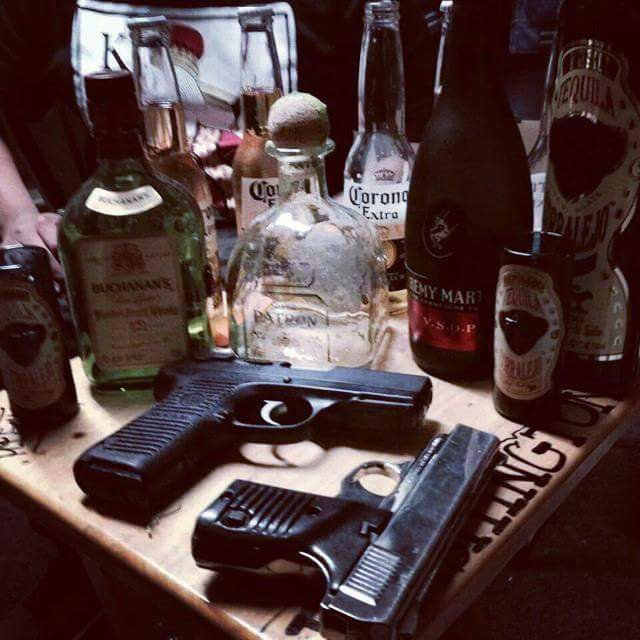 armas-y-alcohol